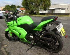 Use the optional huge top box and tour the country on this economic reliable motorbike.